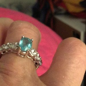 Jewelry - Lovely aqua colored gem in 10 k gold, 7